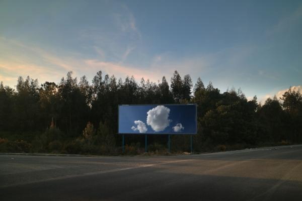 Luís Barreira three clouds, 2017 fotografia série: empty space arquivo:03_5862_cloud, 2017
