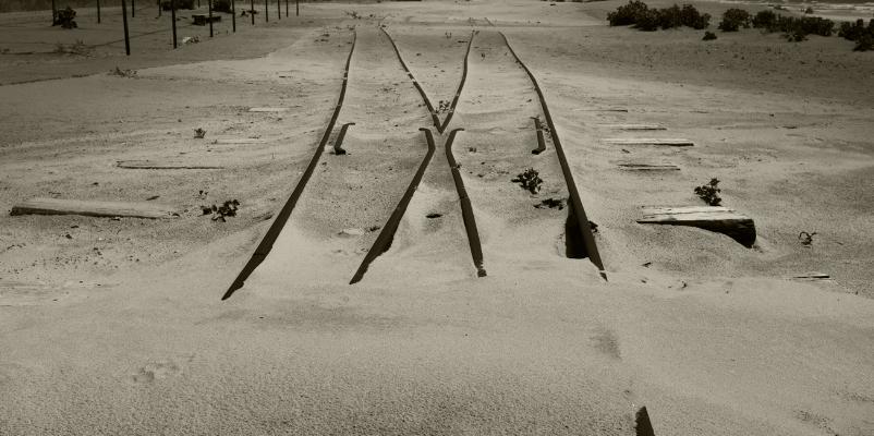 Luís Barreira   cross lines , 2017  Costa da Caparica  Fotografia  série:  arquivo:2017_05_12_DSCF2237_BW