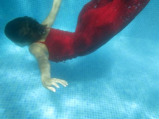 Luís Barreira Carolina Oliveira (Kai Rocha), 2012 Fotografia serie: Swimming pool arquivo:09_01_IMG_0251, 2012