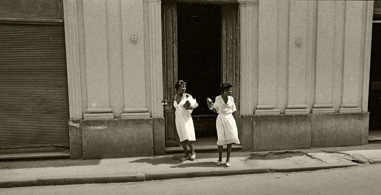 Luís Barreira  Havana, 1997  Fotografia  Gelatin Silver print  Série: CUBA'97  Exposição na Galeria Imargem - Almada, 1999  Publicação em Livro (Depósito Legal 144 759/99)  arquivo:F_311_7278, 1997