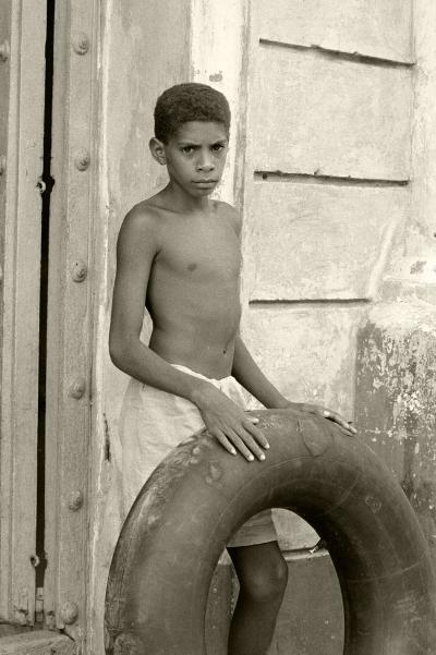 Luís Barreira  Cuba, 1997  Fotografia  Gelatin Silver print  Série: CUBA'97  Exposição na Galeria Imargem - Almada, 1999  Publicação em Livro (Depósito Legal 144 759/99)  arquivo:F_313_7343, 1997