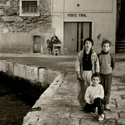 """Luís Barreira """"Ponto Final"""", 1991 Almada Série: Street photography Fotografia arquivo:F_117_9509, 1991"""