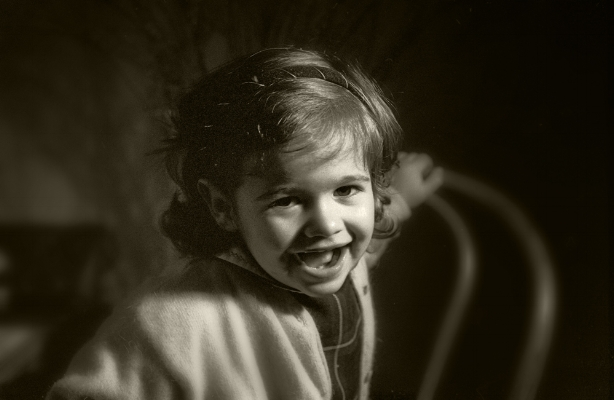 Mariana by TIOzito  Pragal, 1993  arquivo:F_162_9174, 1993