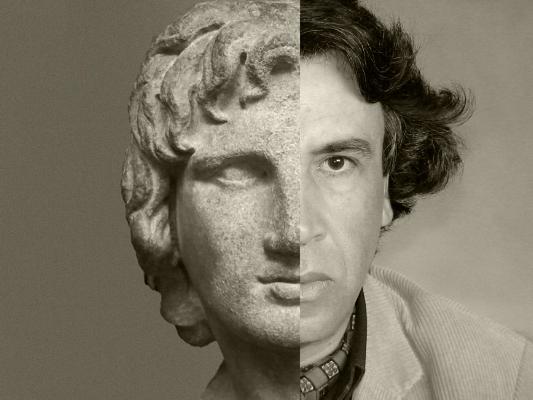 Auto-retrato, 2006  Classic portrait, 2014  série:  Classic portrait   Fotografia  arquivo:03_15_DSC02228, 2006 / 08_05_IMG8515, 2014