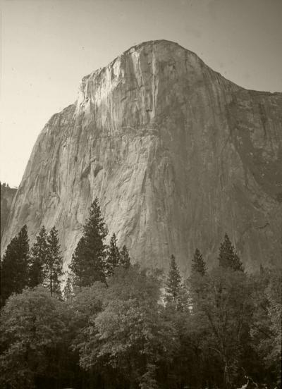 """Luís Barreira  """"El Capitan"""", 2002  Yosemite Park  California, USA  série:  Landscapes   Fotografia  Diapositivo digitalizado  arquivo:SLIDE_21052, 2002"""