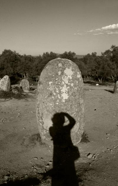 Luís Barreira  Cromeleque dos Almendres, 1999  Fotografia  Gelatin Silver print  arquivo:FOLIO_434_18173, 1999