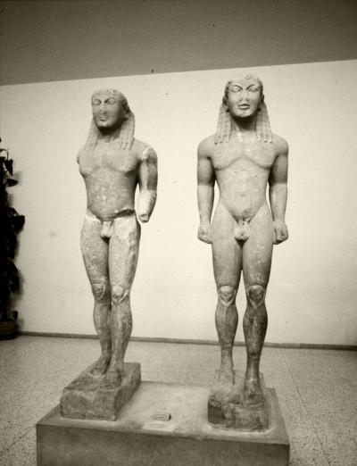 Luís Barreira  Cleobis e Bitão,Museu Arqueológico de Delfos, 1984  Grécia  Série: antiguidade clássica  Fotografia  arquivo:slide/grecia/1500, 1984