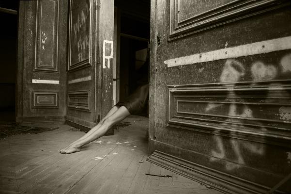 """Luís Barreira  """"paisagens habitadas"""" II, 2018  série: La Femme  Fotografia  arquivo:2018_08_08_NK2_1466"""