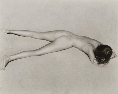 Nude on Sand, Oceano,  1936 by Edward Weston  Charis Wilson musa de Edward Weston