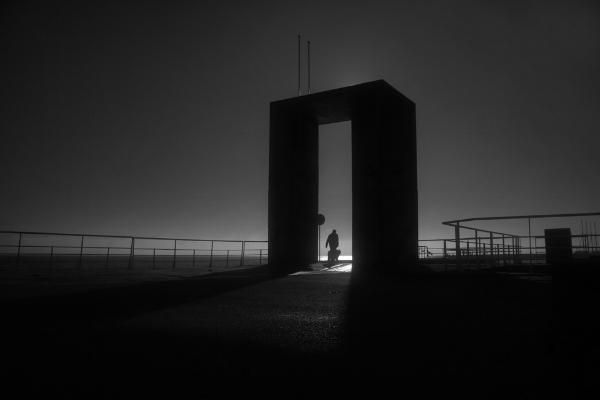 """Luís Barreira  """"O Grande Arco""""  Parque das Nações, 2016  Lisboa  série: no parque  Fotografia  arquivo: 2016_12_24_IMG_5028"""