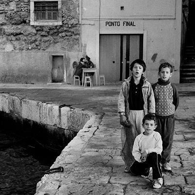 Luís Barreira  KISS - Ponto Final, Almada, 1991  Fotografia  Gelatin Silver print