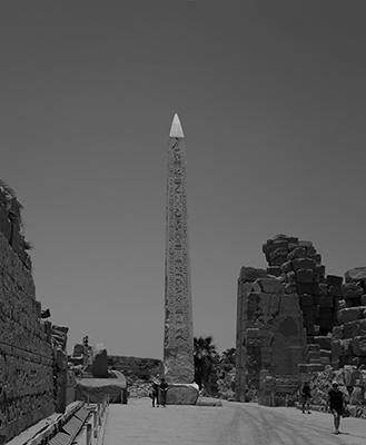 Luís Barreira  Obelisco de Karnak, Luxor  Egipto, 2018  série:  phallus   Fotografia  arquivo: 2018_07_16_DSCF9194