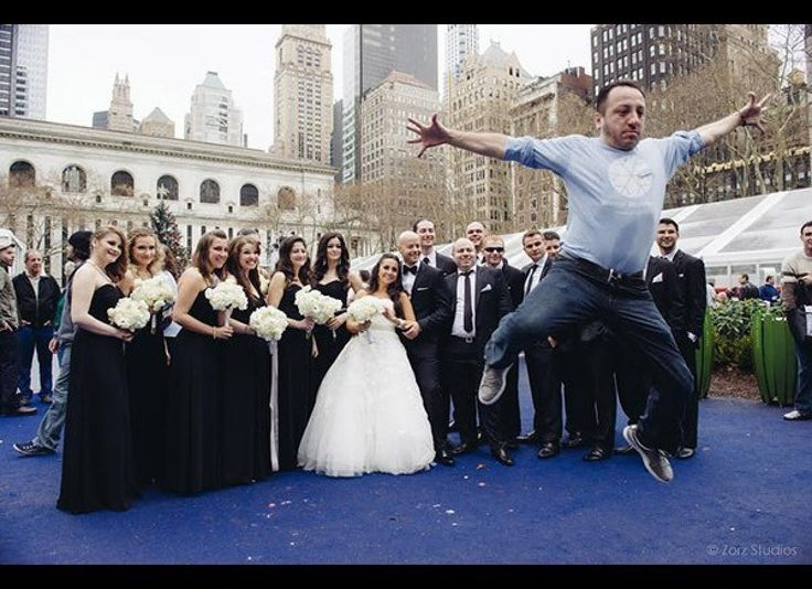 This unknown photobomber stole the show and was a hit on social media gaining more likes and shares than the bride!