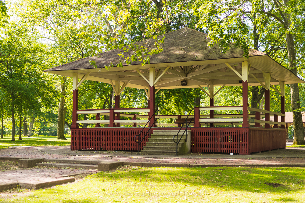 Another find within High Dive Park was this wooden stage.  This would make a great spot for couples photography indeed!