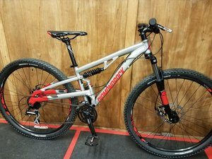 16 New Diamondback Recoil Full Suspension 29er Cherry Cycles