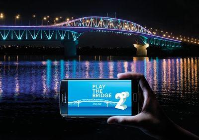 PLAY THE BRIDGE-thumb-400x282-178366.jpg