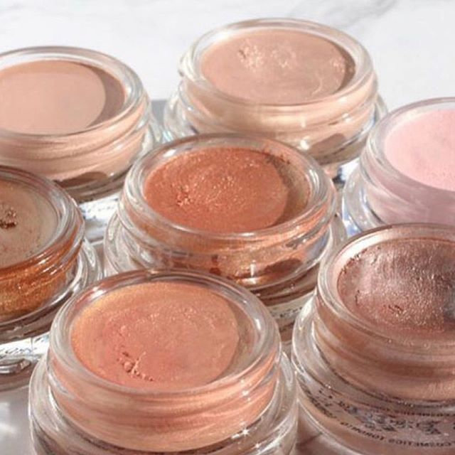 @maccosmetics Paint Pots are my favorite shadow primers