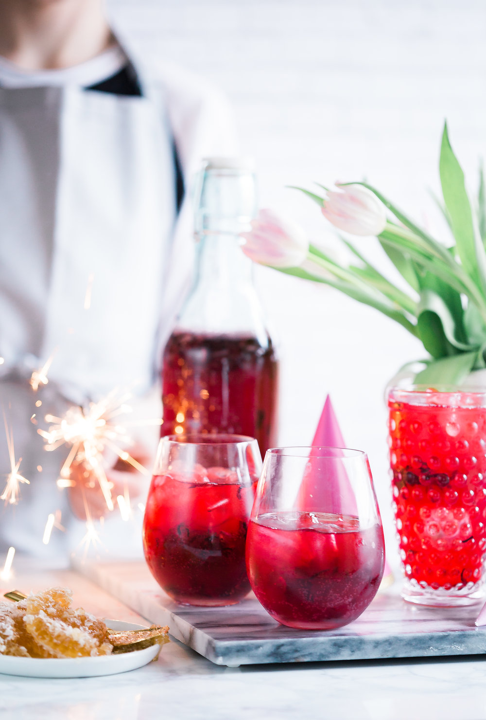 Hibiscus Ginger Lemonade Party Punch (Boozy Option ...
