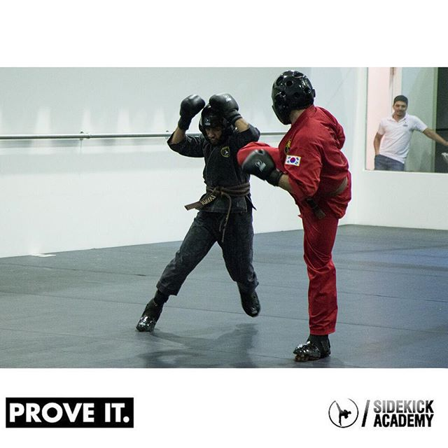 Kickboxing the Sidekick way!  Visit us or call 22282135 between 2:00-10:00 pm for more information.  #sidekickacademy #bringit #kuwait #martialarts #jiujitsu #bjj #taekwondo #tkd #mma #health #fitness #sport #training #instaq8 #zerocompetition #proveit