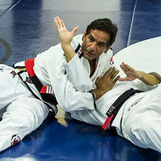 Professor Caique is back. Register for the 3 day seminar & don't miss out. November 15-17-18.  Visit us or call 22282135 between 2:00-10:00 pm for more information.  #sidekickacademy #bringit #kuwait #martialarts #jiujitsu #bjj #taekwondo #tkd #mma #health #fitness #sport #training #instaq8 #zerocompetition #proveit