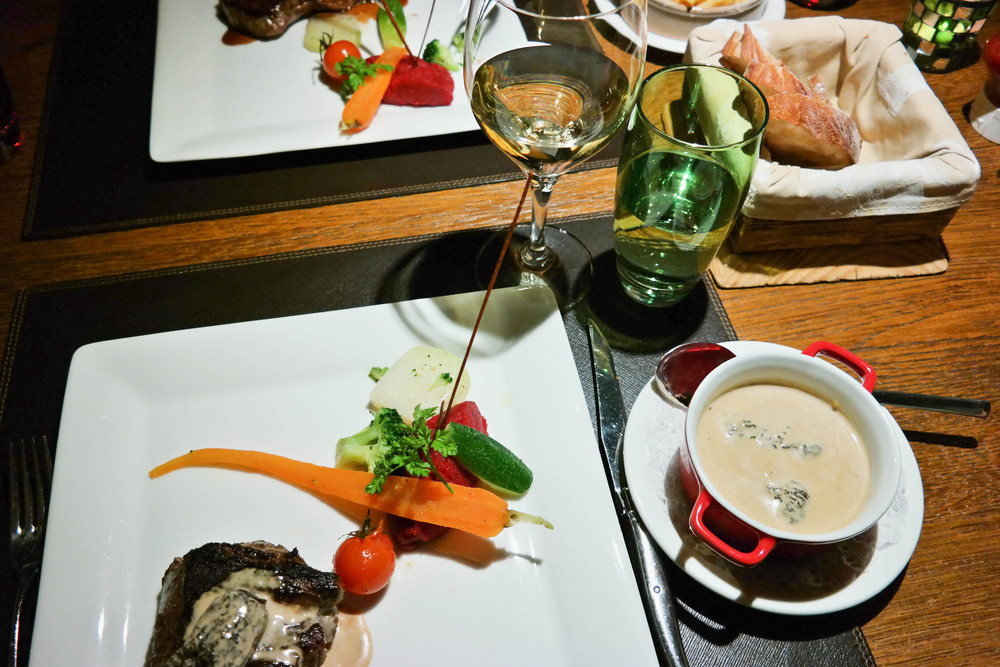 Where to eat Verbier Vieux Verbier restaurant Switzerland