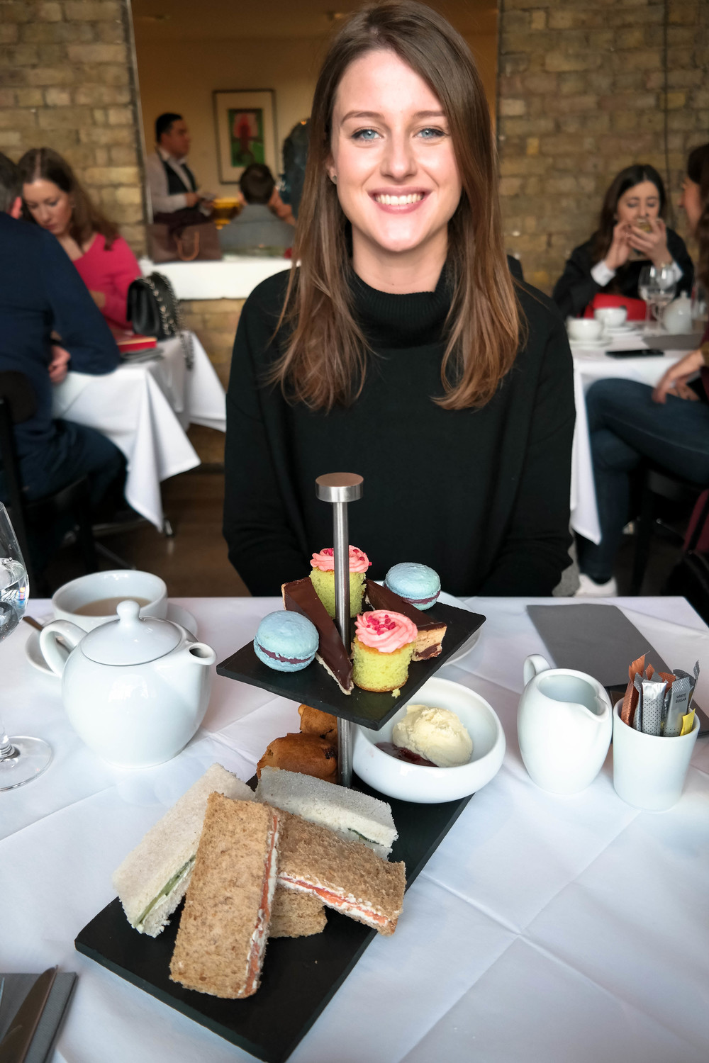 Galentines Day afternoon tea at Cafe Mess Saatchi Gallery