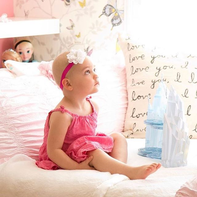 Kaylee's room is just one of our favorites from @savvygivingbydesign in San Diego.  Check out our stories to learn more about the organization and how you can help kids like Kaylee right here in #charleston ! . . . . 📸 via Savvy Giving by design #betterhomesandgardens #smmakelifebeautiful #charlestonmoms #charlestonhomes #charlestonliving #ChampagneSociety #charlestonsc #kidsrooms #kidsbedroomdecor #bedroomgoals #bedroomdecor #interior4you1 #charlestonhomeanddesign #charlestonstyle #childrenshospital #coastal_living #homebunch #houzz #kidstuff #interiors123 #TheNewSouthern