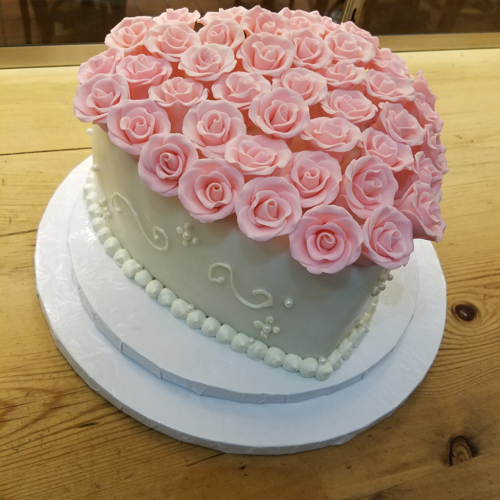 pink roses heart side view.png