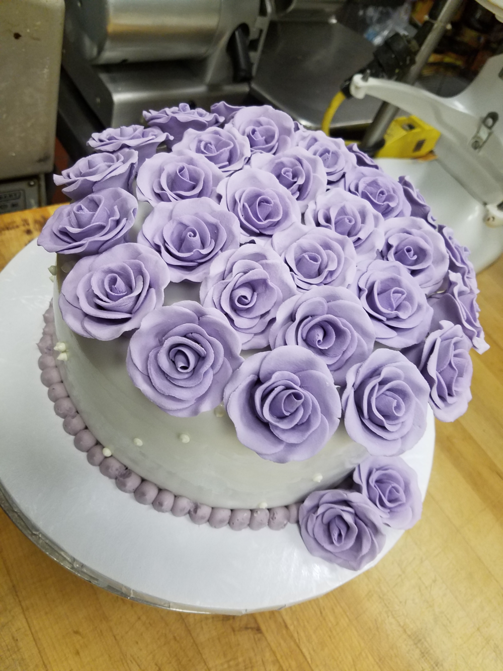 purple roses cake.png