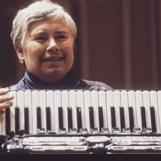 "Pauline Oliveros, the composer, performer and teacher who developed a theory called ""deep listening,"" died in her sleep Thursday. She was 84 / DEEP LISTENING YES"