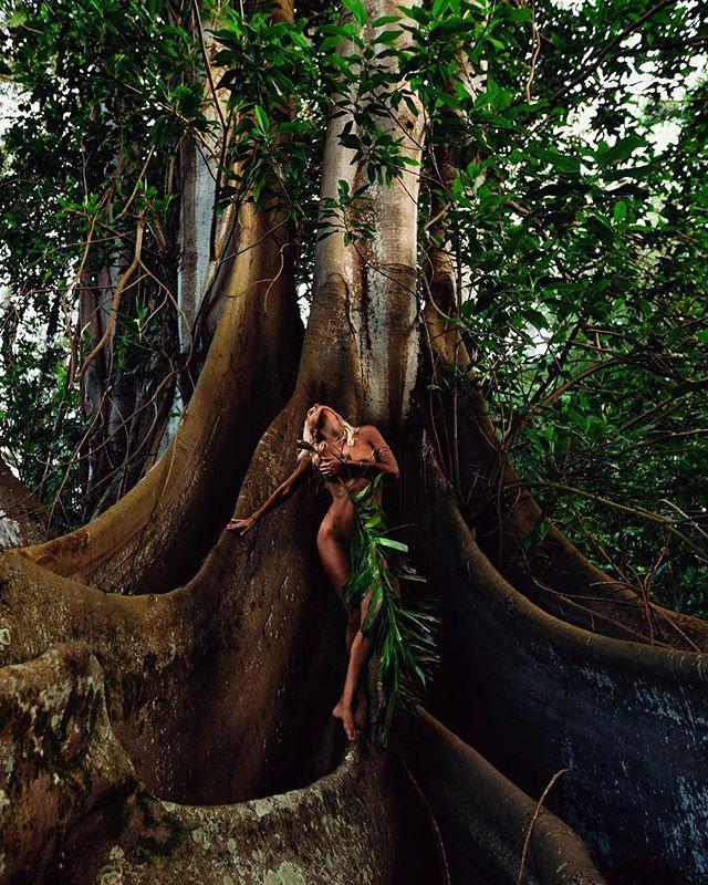 🌿 Island Life 🌿 #Kauai @thebeautycall_kauai @electric_ocean_jewelry