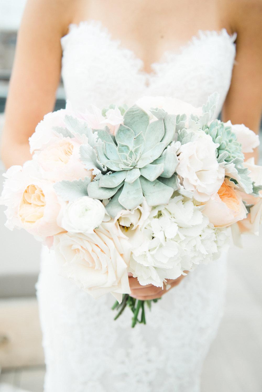 Kindred Blooms Bridal Bouquet Luxury Wedding Minneapolis Minnesota