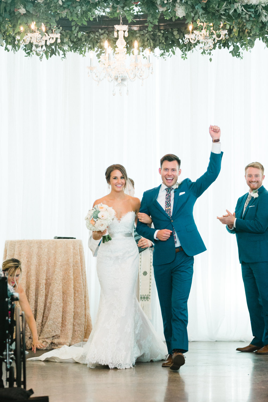 Just Married Gina Zeidler Wedding Photography Luxury Wedding Minneapolis Minnesota