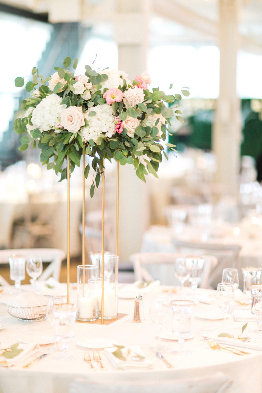 Kindred Blooms Floral Design Machine Shop Luxury Wedding See Jane Plan Champagne Press