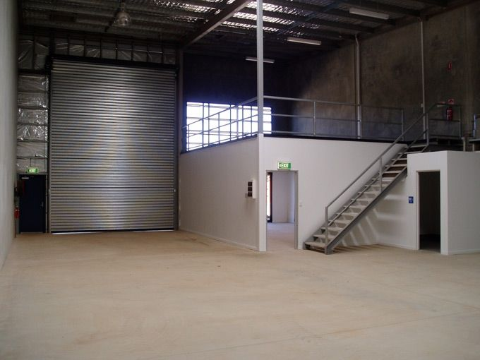 5f9e79cb467936719c8bfac579a20db8--warehouse-office-space-warehouse-home.jpg