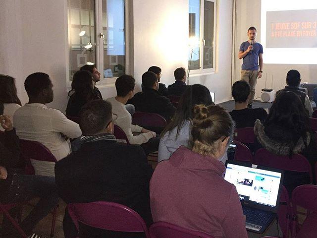 De la rue aux premiers clients ... Bravo Brian pour ton premier Meet Up!  Venez nous rencontrer chaque mardi à 18:30, on veut connaître toutes vos histoires 😍 --  MeetUp. #meetup #hacker #paris #france