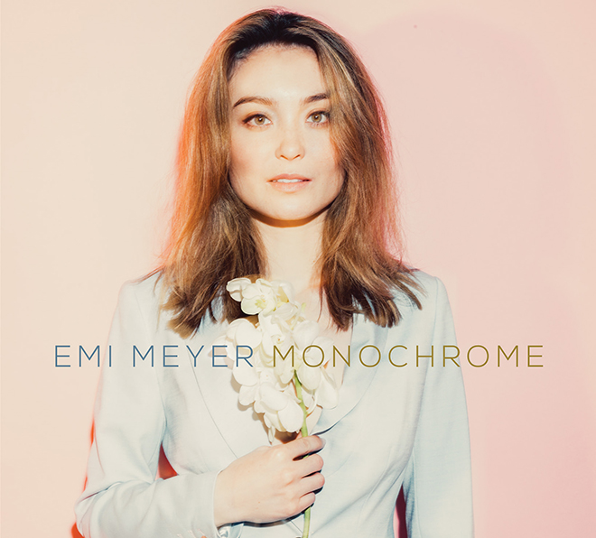 Emi Meyer: Monochrome (Album)