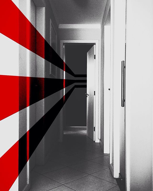"Edit by @andresenasf ""Passage .."" #lorystripes  Nice color splash feel to this simple Lorystripes edit!"