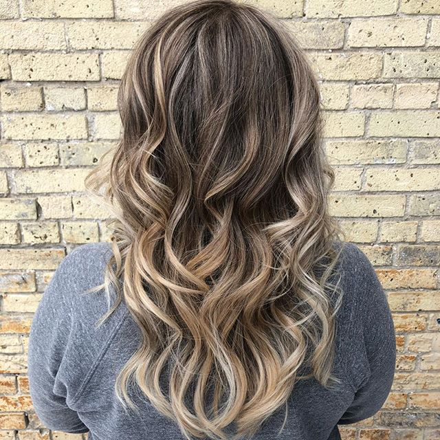 I love love love doing highlights!✨ My girl came in with a little blue/green box colour🙈 (tsk tsk😋) but I fixed her right up with some total Pinterest worthy hair 😍 #theloftwinnipeg #hairgoals #highlights #balayage #winnipegstylist #downtownstylist #redkenhair #redkenready