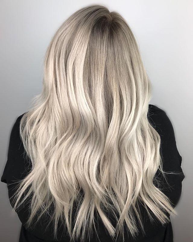 ICE QUEEN. • • • • • #theloftwinnipeg #hairbyannamariem #hairstyles #haircolor #haircut #bombshell #bombhair #hairinspo #hairinspiration #hairideas #behindthechair #framar #olaplex