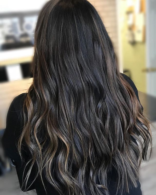 CHAI LATTE 2.0 • • • • • #theloftwinnipeg #hairbyannamariem #hairstyles #haircolor #haircut #bombshell #bombhair #hairinspo #hairinspiration #hairideas #behindthechair #framar #olaplex