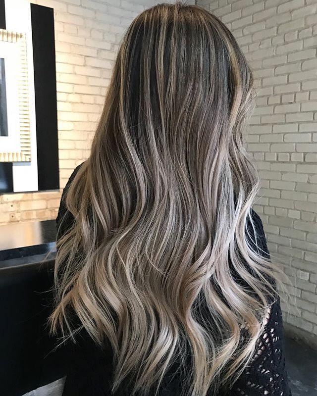 BEIGE VIBES. • • • • • #theloftwinnipeg #hairbyannamariem #hairstyles #haircolor #haircut #bombshell #bombhair #hairinspo #hairinspiration #hairideas #behindthechair #framar #olaplex #winnipeg #winnipegsalon #winnipeghairstylist