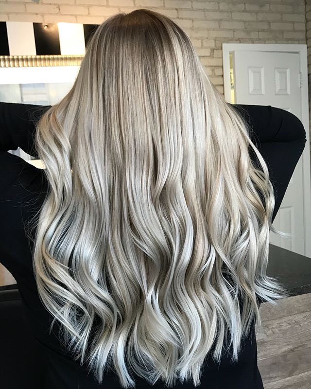 B L E N D S • • • • • #theloftwinnipeg #hairbyannamariem #hairstyles #haircolor #haircut #bombshell #bombhair #hairinspo #hairinspiration #hairideas #behindthechair #framar #olaplex #winnipegsalon #downtownwinnipeg