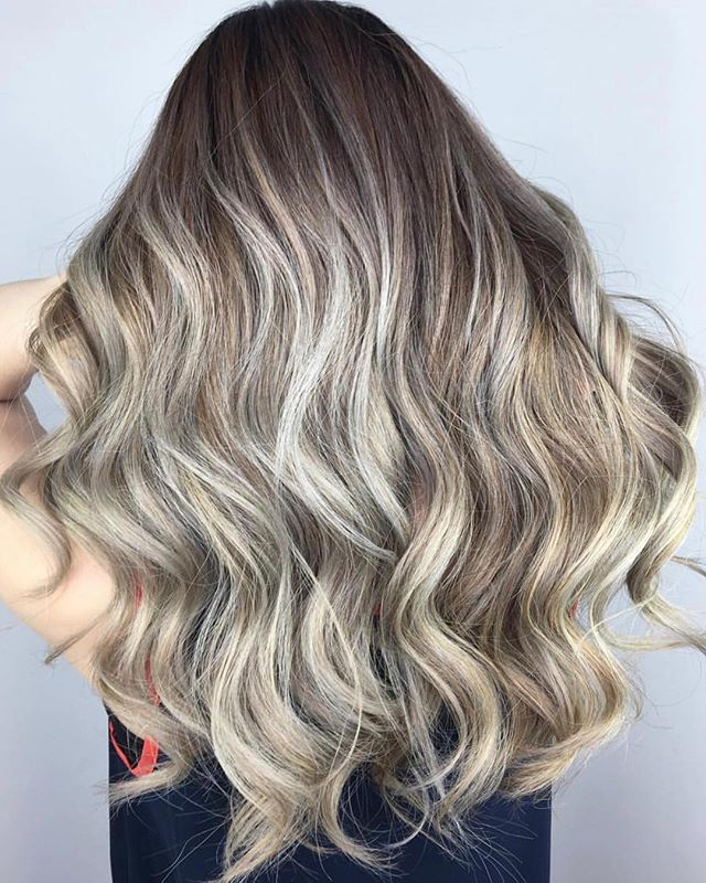 ✨ Highlights by @hairbybeareq 📞, 📧 or schedule online 🖥 Links in bio . . . #theloftwinnipeg #winnipeg #winnipegnow #winnipegjets #winnipeghair #winnipegsalon #winnipeghairsalon #winnipegstylist #winnipeghairstylist #winnipegblogger #winnipegfashion #fashionpost #redken #olaplex #framar #kerastase #livingproof #behindthechair #behindthechair #behindthechair_com #behindthechair_stylist #contrast #blondehighlights #blondebayalage #hairinspo #hairpost #hairideas #softcurls #softwaves #hairinspiration
