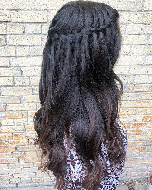Waterfall braid💕 #theloftwinnipeg #winnipeghairstylist #braids #waterfallbraid #waves #hairporn #hairgoals #gorgeousstyle