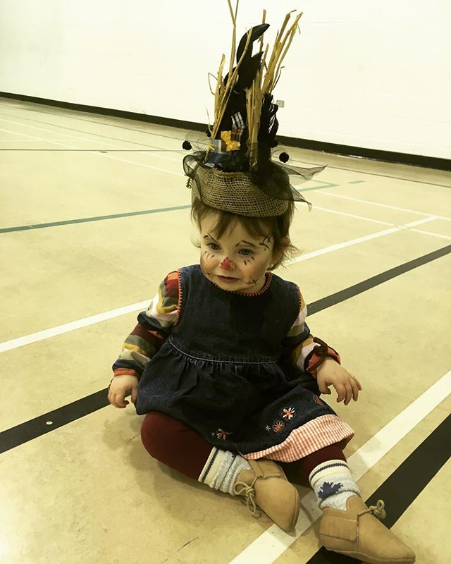 Happy Halloween! #scarecrows #makeuponbabiesishardtodo #nevertoyoungoroldtodressup