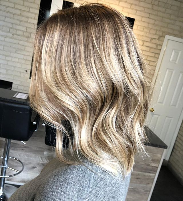 B A L A Y A G E  Swipe left for the before  Lifted with redken freehand and flashlift Toned with EQ shades  Styled with Bex 1 1/4 curling iron