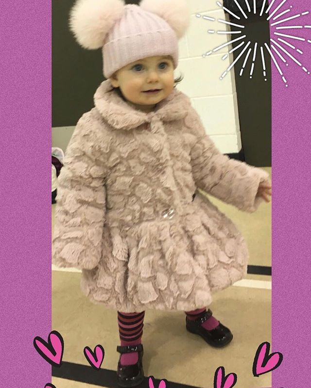 Winter ready #sheisgettingsobig #onthemove #glamourgirl #shepickedouthershoes #loveher #kahleamariegray