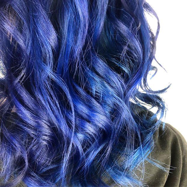 🦋💙🦋💙 #theloftwinnipeg #redkenready #redkencolor #pravanavivids #beforeandafter #winnipegstylist #bluehair #obsessedwiththeundertones