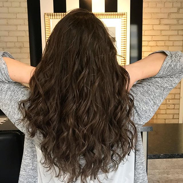 Curly Chocolate Crush! 🌪🍫 #winnipegstylist #redken #beauty #curlyhair #winnipegsalon #waves #longhair #healthyhair